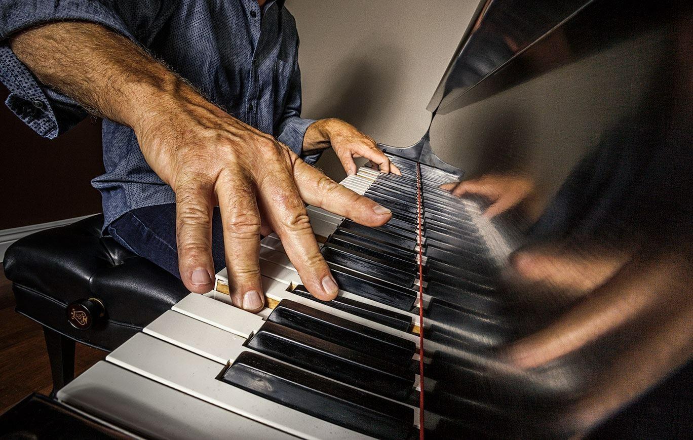 Kent Horner at piano